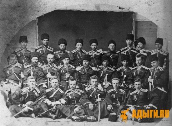 """Повседневная жизнь Кавказской туземной конной дивизии: """" уклад был патриархально-семейный, основанны"""