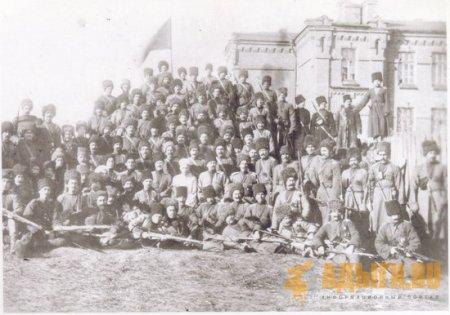 Возвращение всадников Черкесского полка Кавказской конной Туземной дивизии