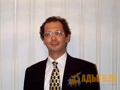 В Токио Мурат Хоконов прочитал лекцию по истории и культуре черкесов(2001 год)