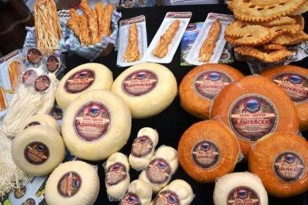 В Адыгее планируют ежегодно выпускать не менее 10 тысяч тонн адыгейского сыра.