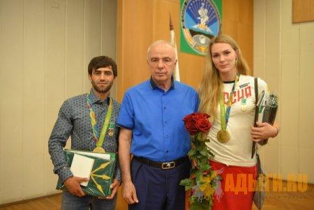 Олимпийцы Беслан Мудранов и Виктория Калинина удостоены высшей награды Адыгеи.