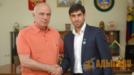 Мурат Псеунов стал заслуженным тренером Адыгеи