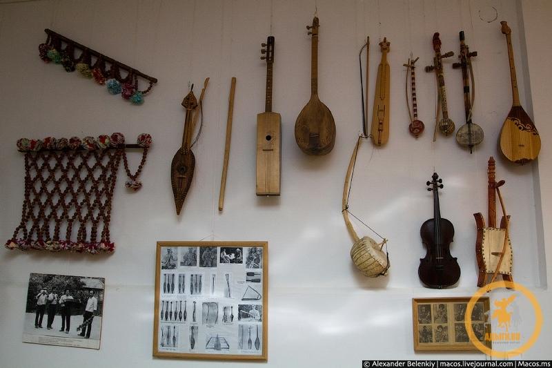 Традиционные музыкальные инструменты и инструментальная музыка адыгов