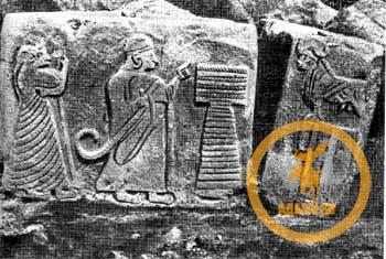 Аладжа-Хююк Царь и царица поклоняющиеся быку