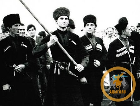 Науржанов Ибрагим – человек, воссоздавший черкесский флаг в Кабарде.
