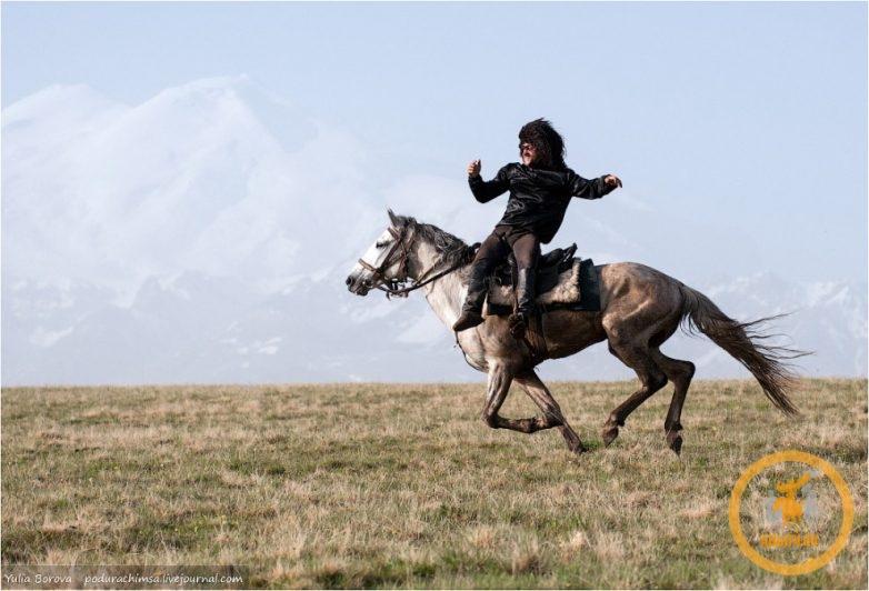 Черкесы приучали лошадей видеть ночью